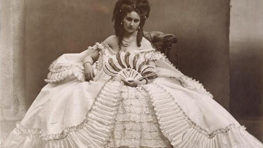 Comtesse_Virginia_de_Castiglione_(1837-1899)_A