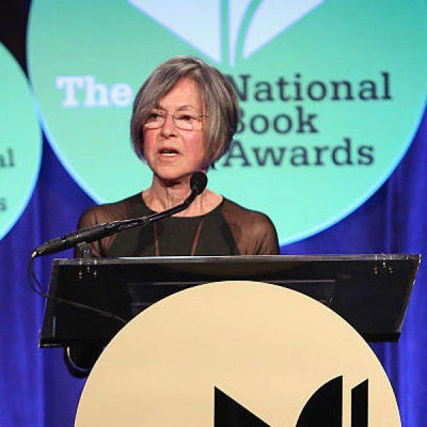 Louise Gluck alla cerimonia dei National Book Awards a New York, 2014